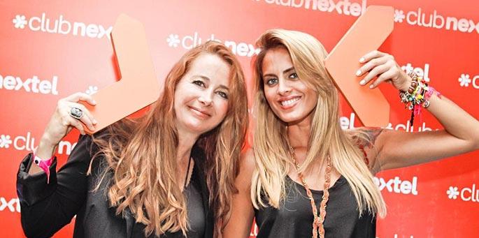 Verónica Álvarez Puente, responsable de las comunicaciones corporativas de la compañía, junto a Silvina Luna, una de las celebridades invitadas por Nextel al show de David Guetta.