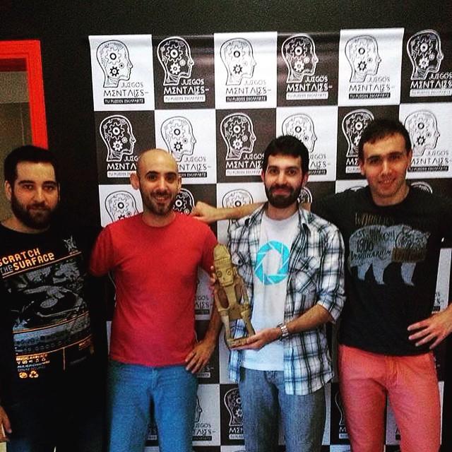 De izquierda a derecha, Morton, un clon de Abel Pintos, Cufa, y un clon de James Franco.